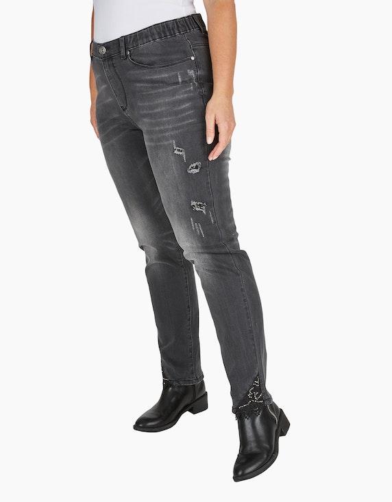 Thea Jeans-Hose mit destroyed-effect, Dekoperlen und Spitze | [ADLER Mode]