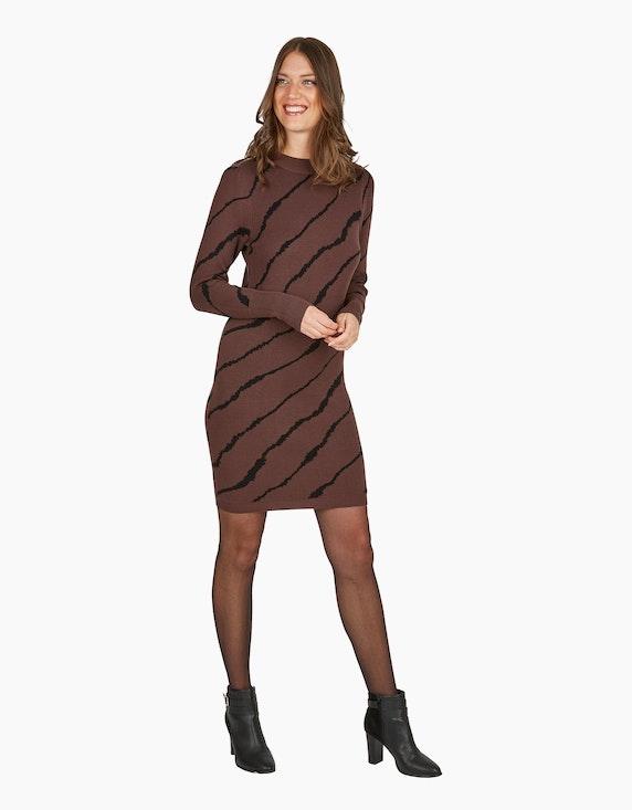 Viventy Enges Strickkleid im Zebra-Look   [ADLER Mode]