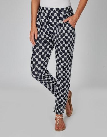 Hosen - Jerseyhose mit Allover Print und Bundfalten, 44  - Onlineshop Adler