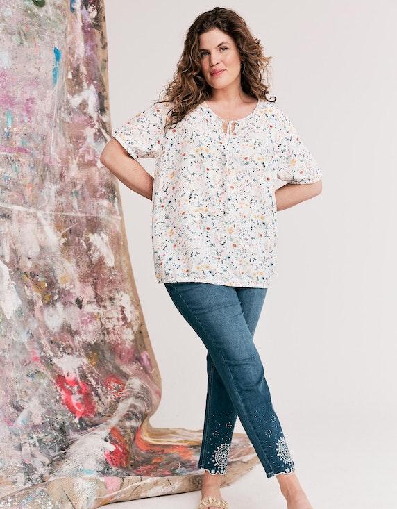 Thea Jeans mit Stickerei, Strass und Ziernieten | ADLER Mode Onlineshop