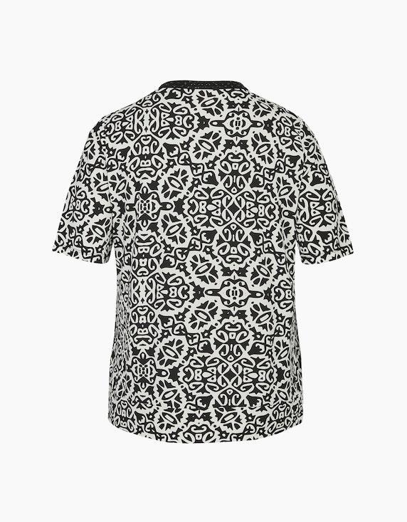 Thea Shirt mit Ethno-Druck und Ziersteinen am Ausschnitt | ADLER Mode Onlineshop