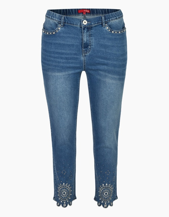 Thea Jeans mit Stickerei, Strass und Ziernieten in Blue Denim | ADLER Mode Onlineshop
