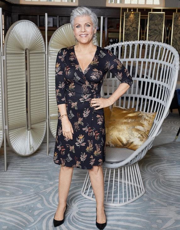 Birgit Schrowange Kollektion Jersey-Wickelkleid mit Blätterdruck | ADLER Mode Onlineshop